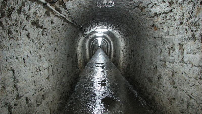 Turda_Salt_mine_-_tunel_de_acces_11